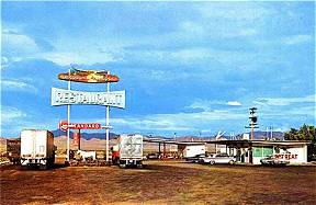 Vintage 1950's Postcard of Roadrunner Retreat